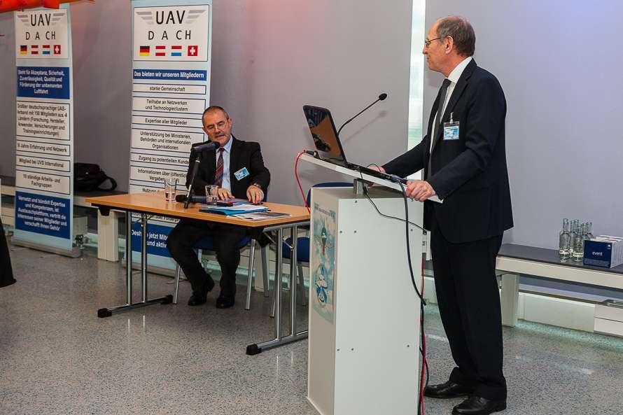Achim Friedl UAV DACH beim III. RotorDrone Forum