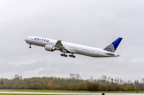 Boeing 777-300ER United Airlines