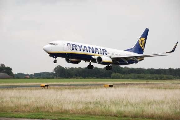 Ryanair 737 Landung SST Weze-Meldung