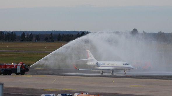Dassault Falcon 2000LX ausgerüstet als ISTAR-Forschungsflugzeug des DLR kommt am 31. Janaur 2020 in Braunschweig an.