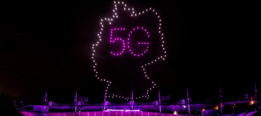 Deutsche Telekom organisiert Multikopter-Choreo im Olympiapark