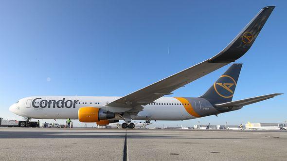 Boeing 767-300 der Condor mit dem nach 16 Jahren wieder eingeführten Logo am Leitwerk.